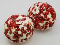 9430-12 Badebutter Kugel mit Schafmilch 50g mit Bestreuung rosa Pfeffer Duft Cranberry