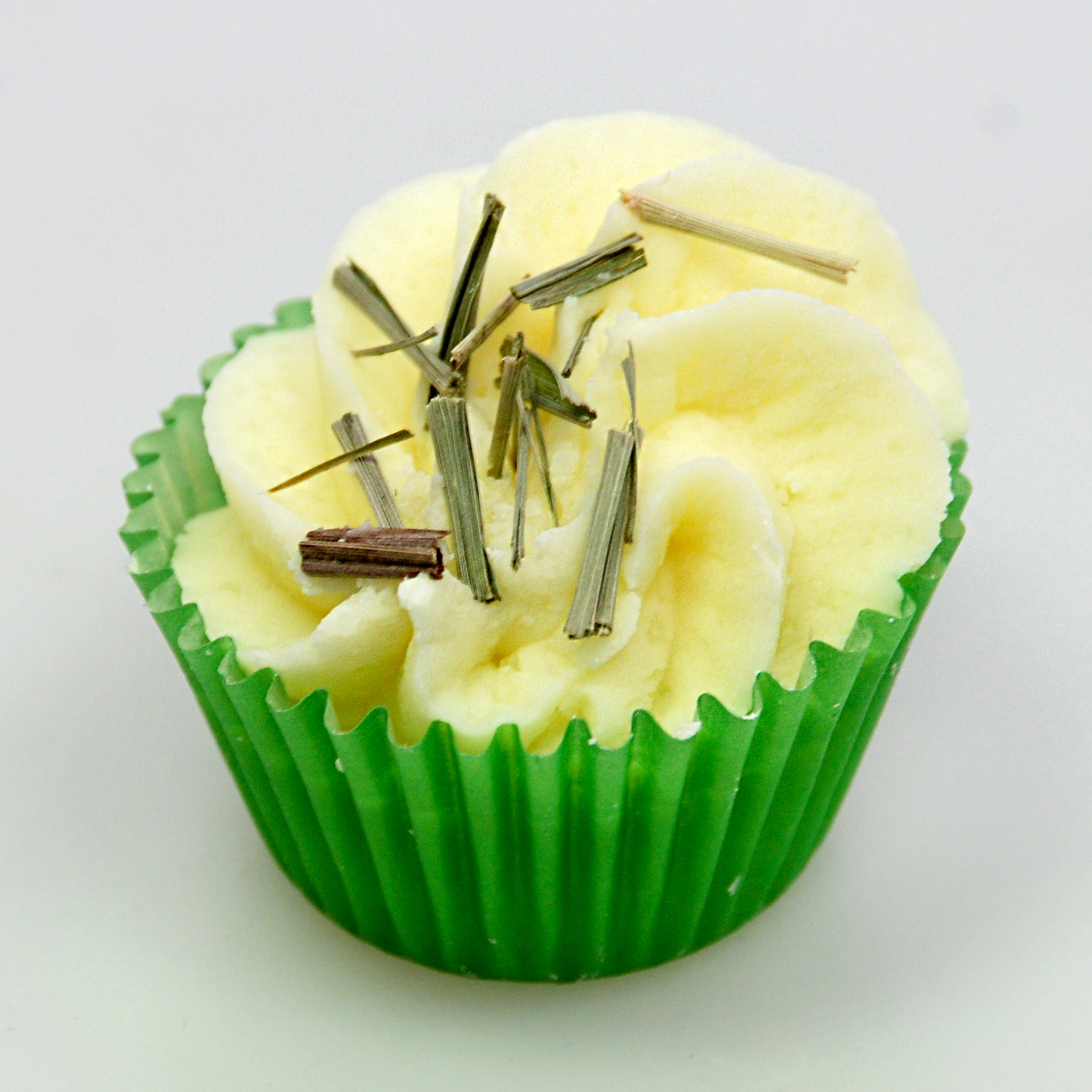 9437LIM-GT Badebutter Cupcake 45g mit Bestreuung Lemongras Duft Limette-Grüner Tee