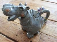 Jameson & Tailor, Teekanne Nilpferd handgemalt