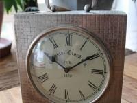 Nostalgische Uhr, groß, Aluminium Silber