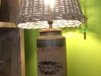 TICA Holland, Lampe mit Blechfuß inkl. Lampenschirm